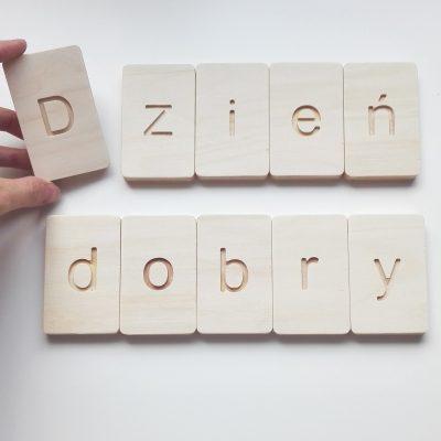 drewniane litery polskie